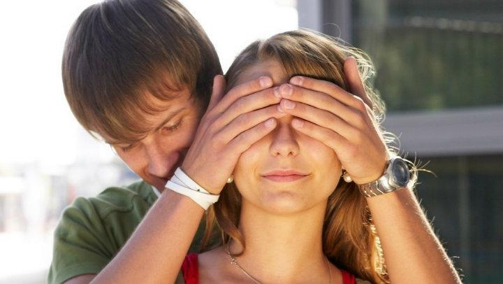 Tips for dating a blind person